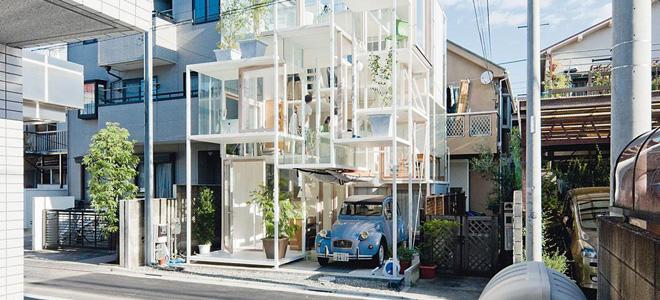 Прозрачный дом House NA на окраине Токио (15 фото)