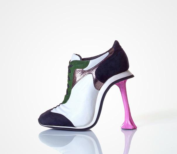Коби Леви и его необычная обувь