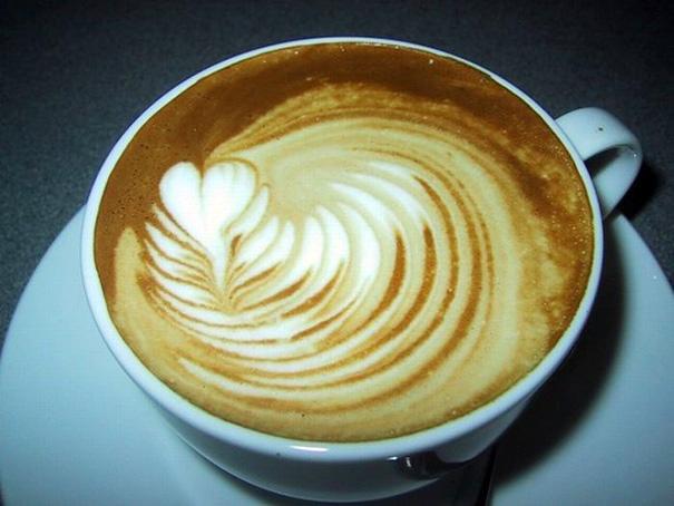latte-art-kak-delat-risunki-na-kofe-foto