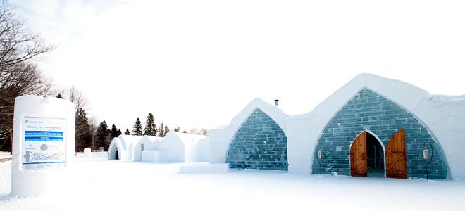 Ледяной отель в Канаде (33 фото)