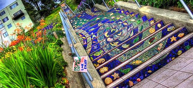 Пестрая мозаика на лестнице в Сан-Франциско (9 фото)