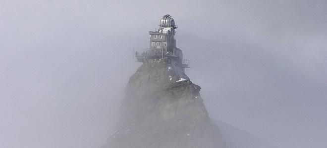 Величественная обсерватория в горах Швейцарии (9 фото)
