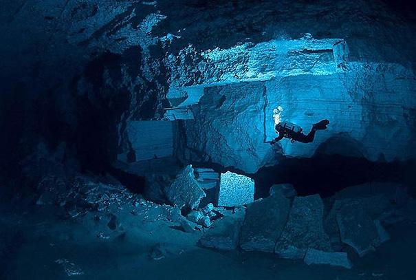 Самая большая подводная пещера в мире Орда