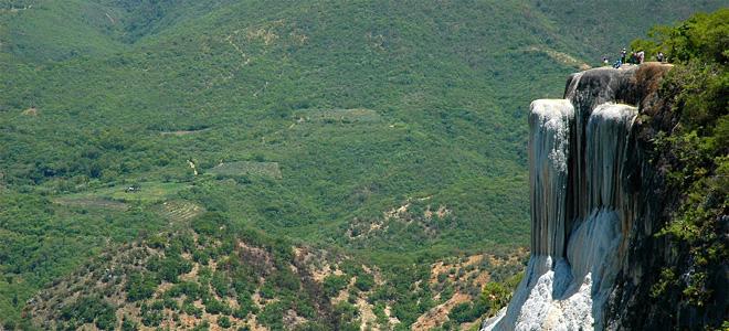 Застывший водопад Йэрве эль Агуа в Мексике (9 фото)