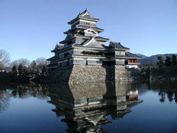 Замок Мацумото в Японии