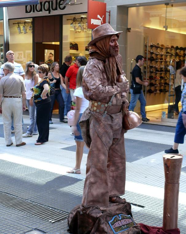 Живые статуи на улицах Европы