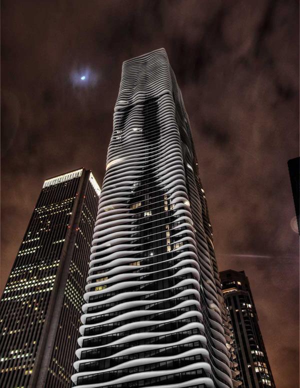 Красивый небоскреб Aqua в Чикаго