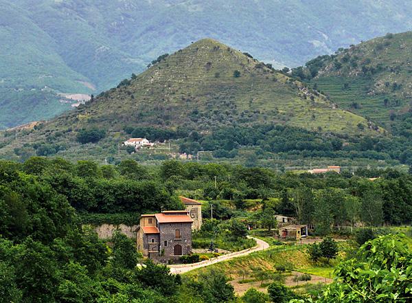 Коммуна Сант'Агата-де'-Готи и ее необыкновенный облик