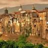 Необыкновенный облик коммуны Сант'Агата-де'-Готи (9 фото)