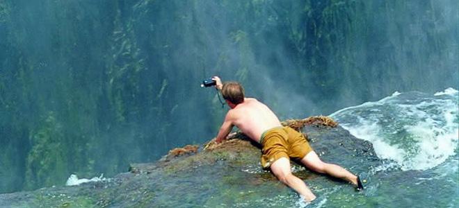 Бассейн Дьявола на краю водопада Виктория (7 фото)