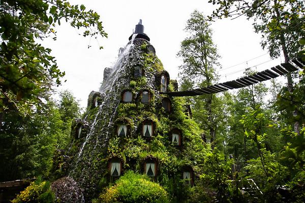 Сказочный отель Montana Magica в вулкане
