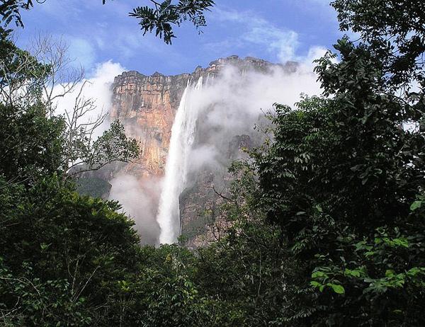 Самый высокий водопад планеты Анхель в Венесуэле