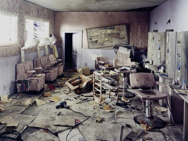 Миниатюрные пейзажи апокалипсиса Лори Никс (19)