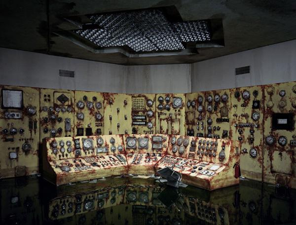 Миниатюрные пейзажи апокалипсиса Лори Никс (8)