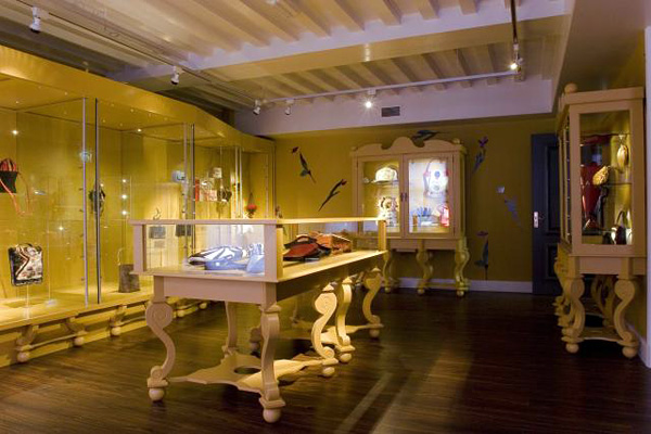 Музей сумок и кошельков в Амстердаме (20)