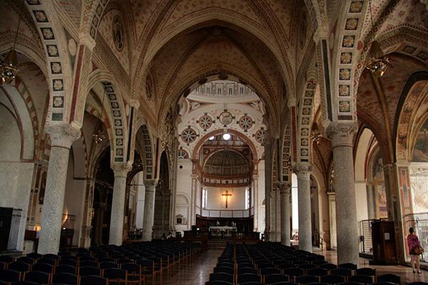 Церковь Санта-Мария-делле-Грацие в Милане фото