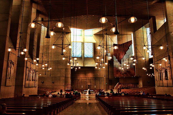 Собор Богоматери Ангелов в Лос-Анджелесе