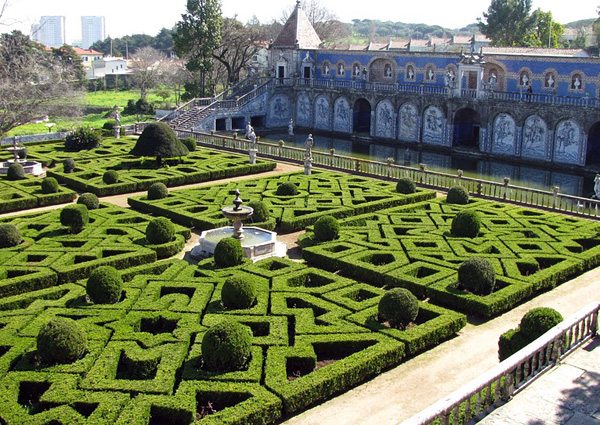 Дворец маркизов Фронтейра в Лиссабоне