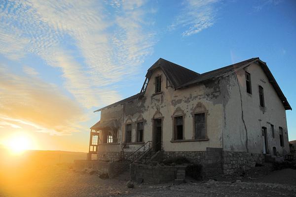 Город-призрак Колманскоп в Намибии