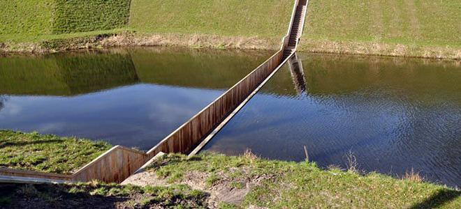 Мост Форт де Рувьер, расположенный в воде (7 фото)