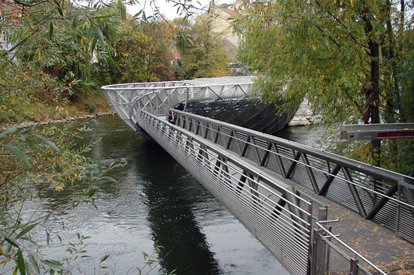 Мост-остров Муринзель в Граце