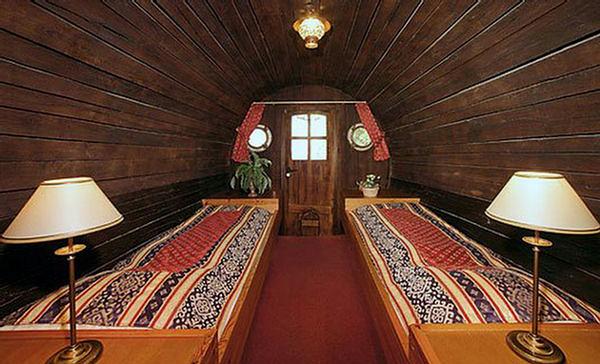 Необычный отель в винных бочках в Голландии