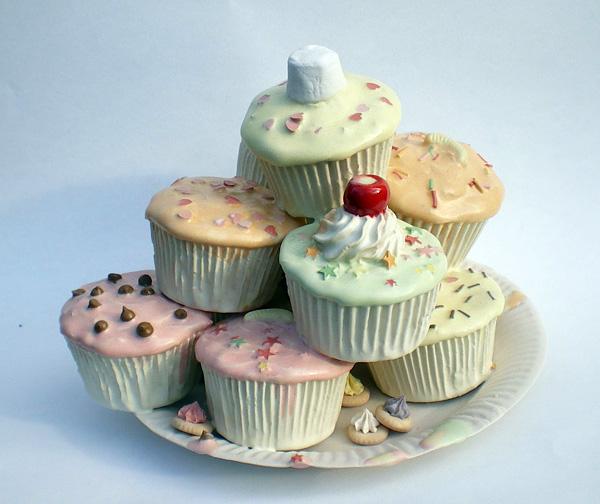 Анна Барлоу и ее десерты из фарфора