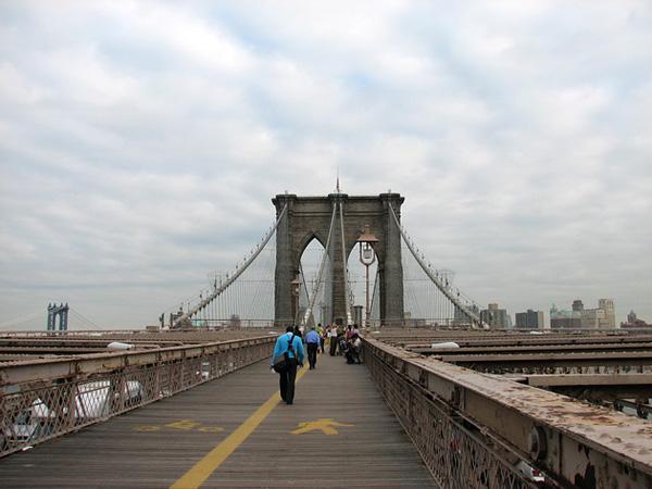 Бруклинский мост - символ Нью-Йорка (5)