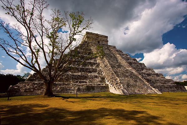 Могущественный город Майя Чичен-Ица