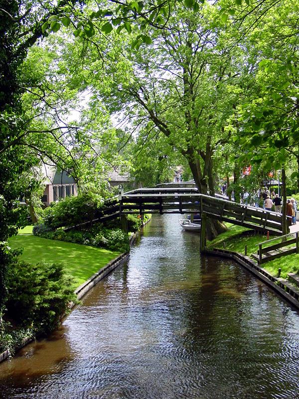 Живописная деревня Гитхорн в Голландии (7)