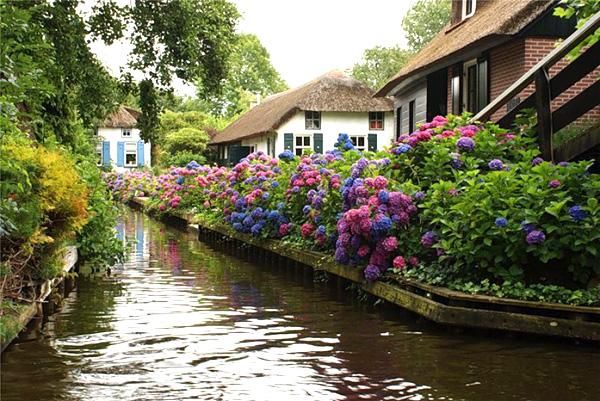 Живописная деревня Гитхорн в Голландии (3)