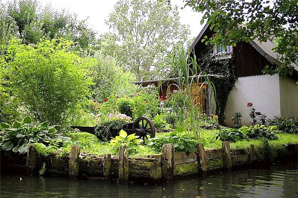 Живописная деревня Гитхорн в Голландии (1)