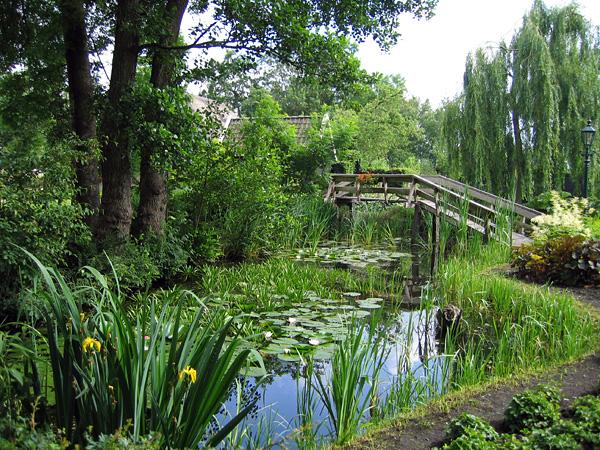 Живописная деревня Гитхорн в Голландии (12)