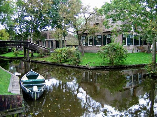 Живописная деревня Гитхорн в Голландии (9)