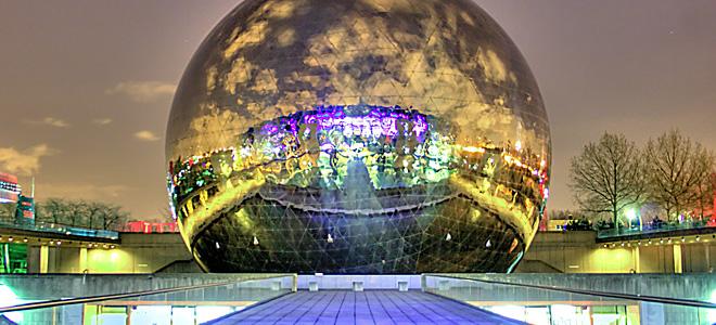 Сферический кинотеатр Жеод в Париже (5 фото)