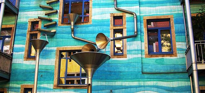 Мелодии дождя на фасаде дома в Дрездене (7 фото)