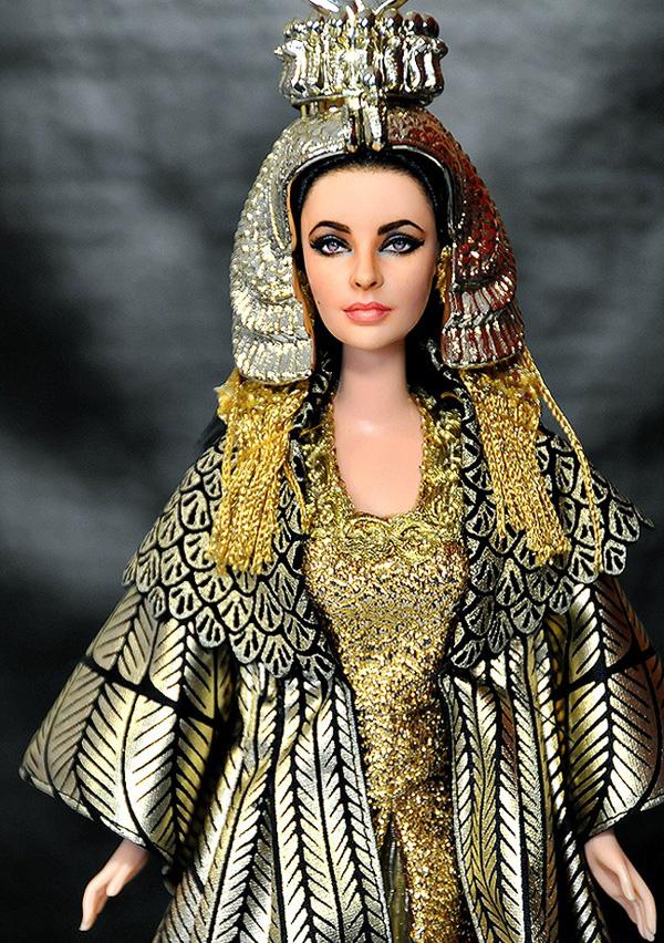 Ноэль Круз и его куклы знаменитостей