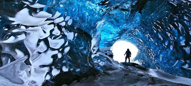 Царство синевы в пещере Скафтафетль (5 фото)
