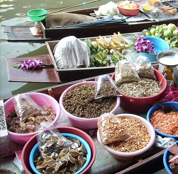 Рынок Дамноен Садуак в Бангкоке (13)