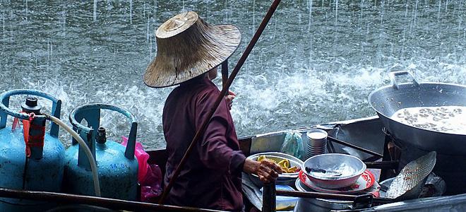 Плавучий рынок Дамноен Садуак в Бангкоке (11 фото)