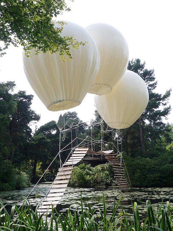Мост на воздушных шарах в Англии