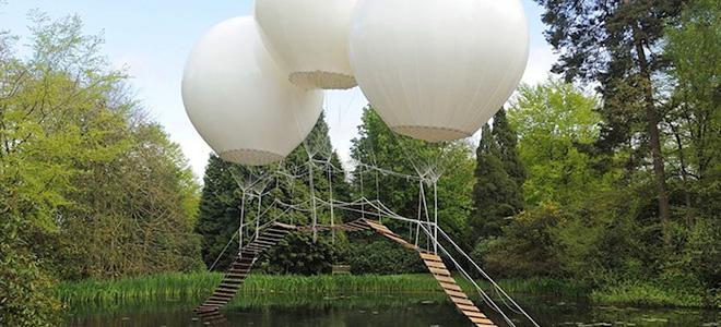 Подвесной мост на воздушных шарах в Англии (3 фото)
