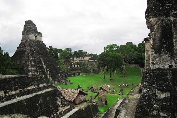 Крупнейший город цивилизации Майя Тикаль