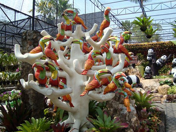Тропический сад Нонг Нуч в Таиланде