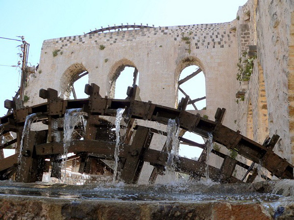 Водяные мельницы города Хама в Сирии