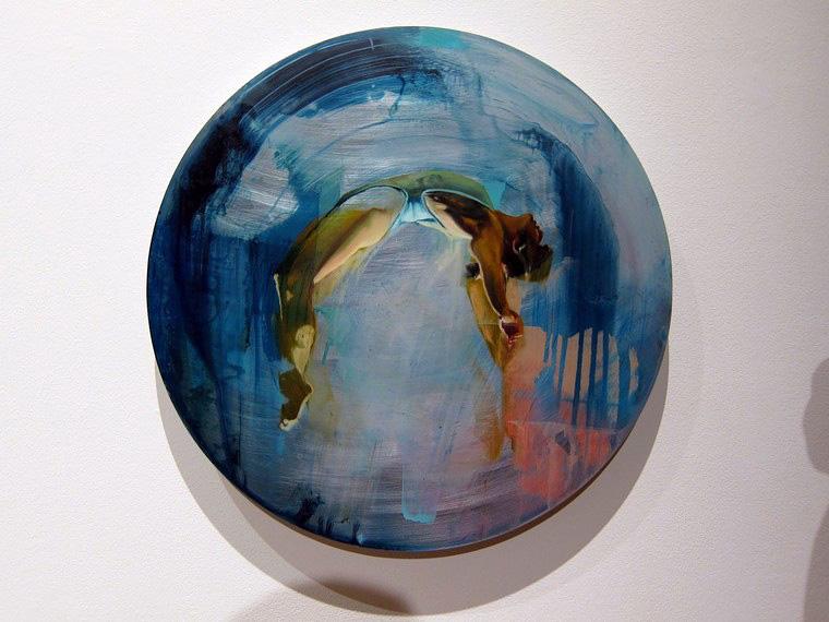 Хлоя Ерли и ее круглые картины
