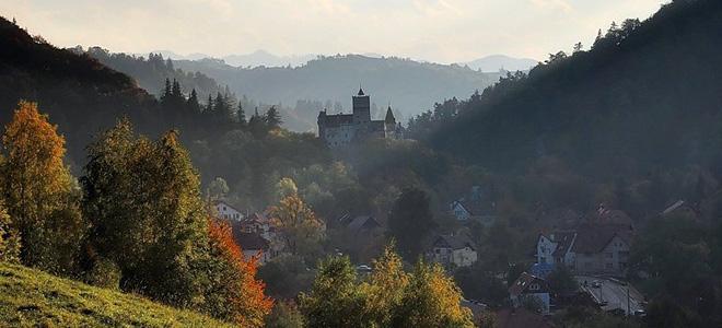Замок Бран — обитель графа Дракулы (13 фото)