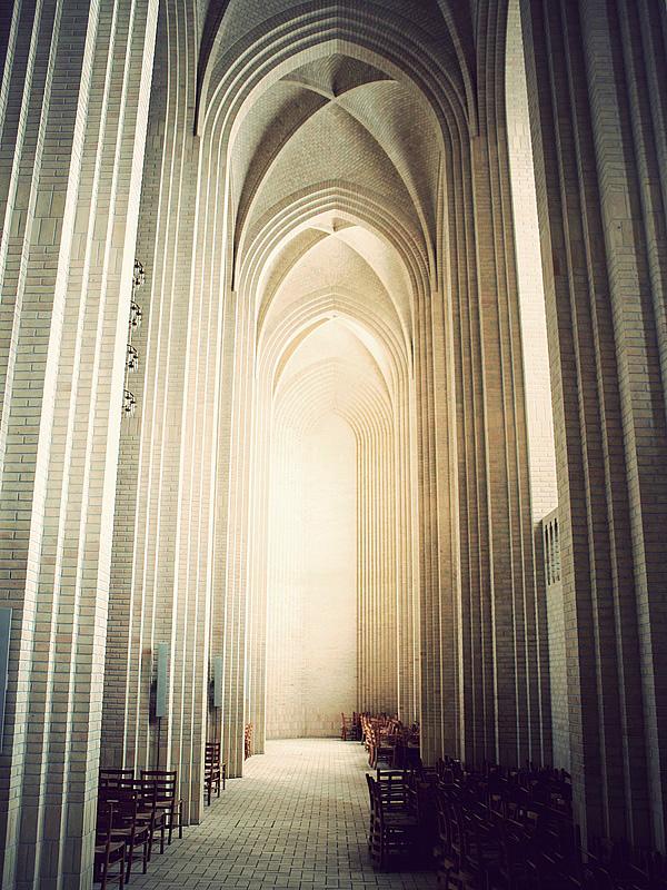 Церковь Грундтвига в Копенгагене (12)