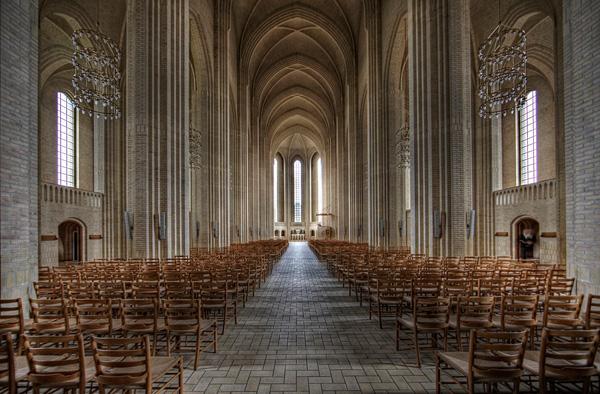 Церковь Грундтвига в Копенгагене (10)