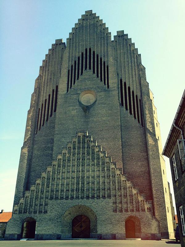 Церковь Грундтвига в Копенгагене (9)